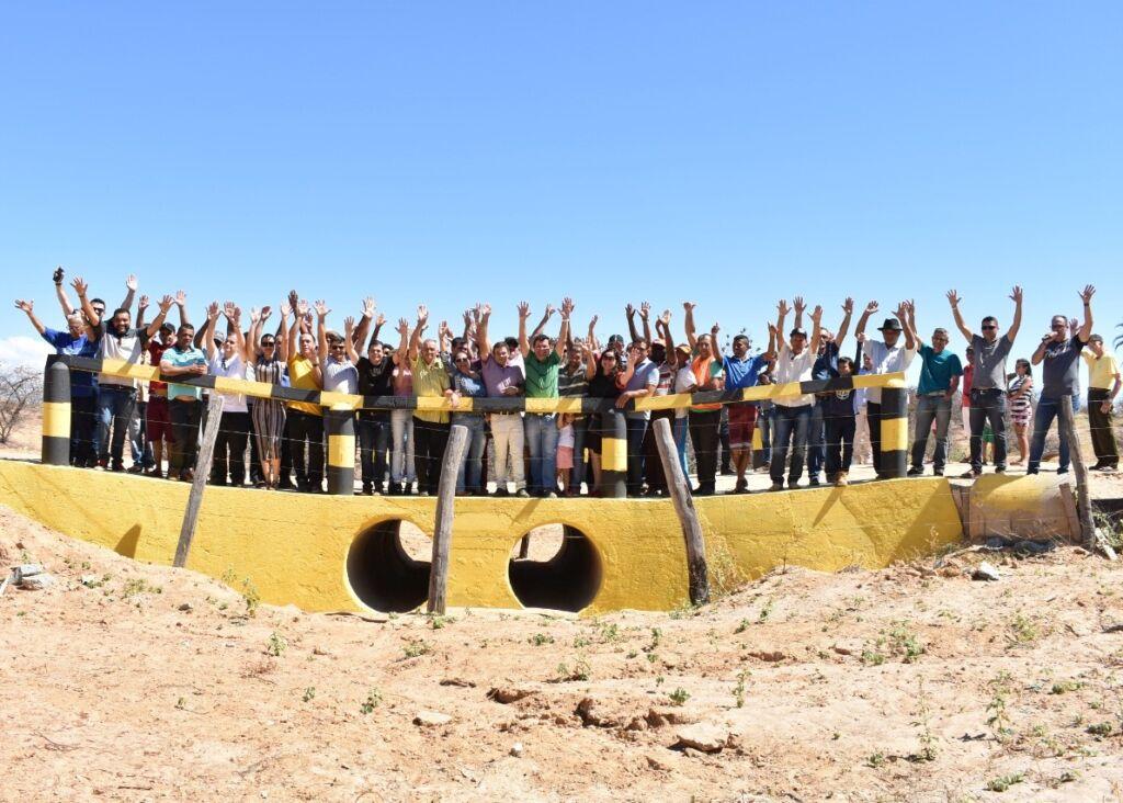 1 3 Prefeito de Matina se reúne com lideranças e solicita pavimentação asfáltica da estrada que liga o município a Riacho de Santana