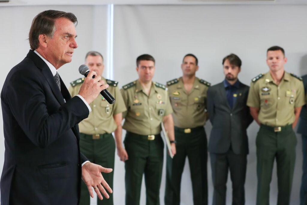 1 78 Bolsonaro alerta para guerra da informação