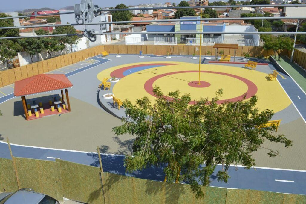 1 82 Prefeitura continua focando em obras de infraestrutura em Guanambi