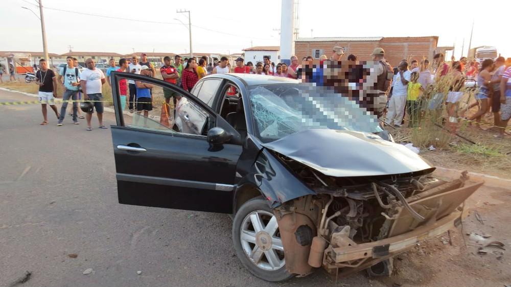 1 92 Motorista de carro morre e 5 passageiros ficaram feridos após batida em poste no oeste da Bahia