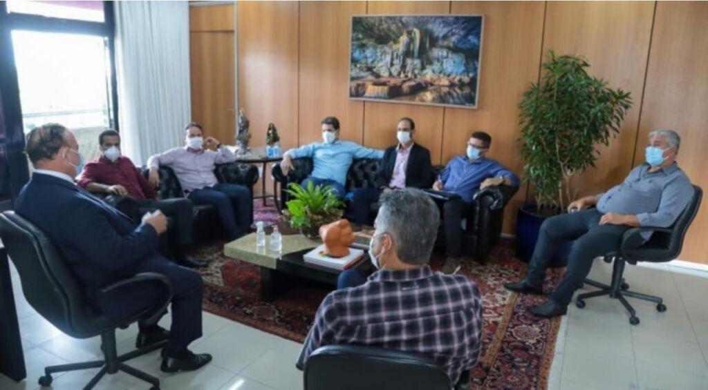 WhatsApp Image 2021 06 15 at 19.02.25 Prefeitos apresentam pautas municipalistas ao presidente da Alba