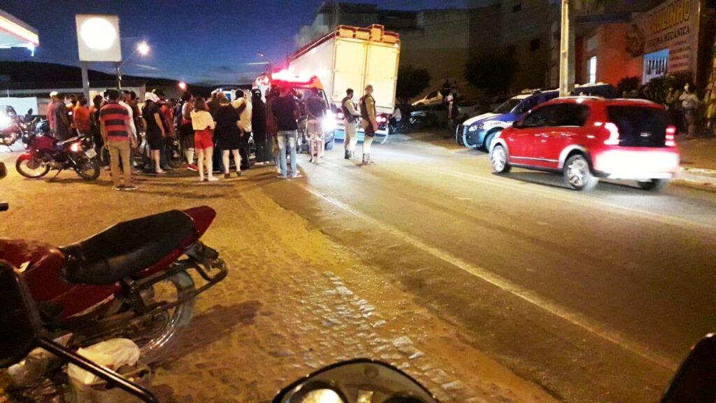 caetite 25 1024x576 1 Adolescente fica gravemente ferido após ser atropelado por caminhão em Caetité