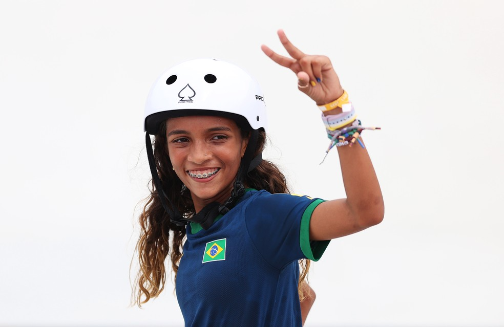 gettyimages 1330634446 Rayssa Leal brilha no skate, ganha a 2ª prata do Brasil, e se torna a mais jovem medalhista olímpica da história do Brasil
