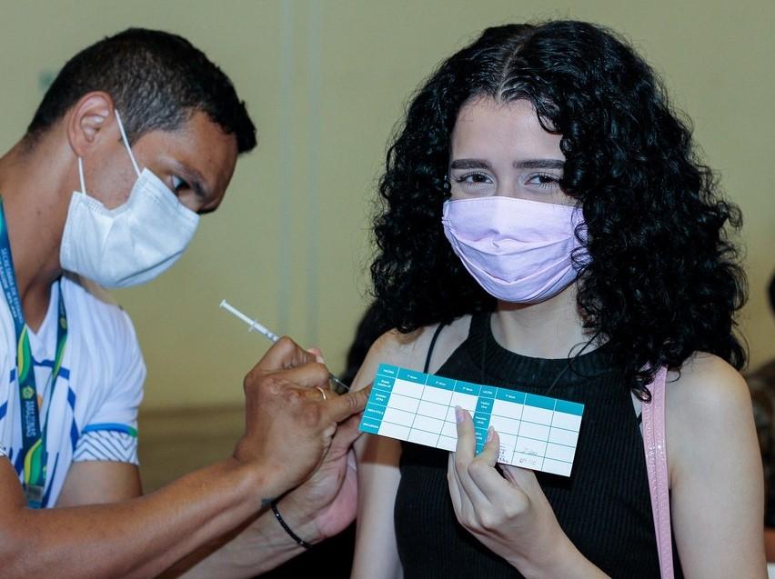 182521202106091 Guanambi vacina contra a Covid-19 nesta quarta (8) e quinta (09), jovens de 20 a 23 anos; veja cronograma das unidades