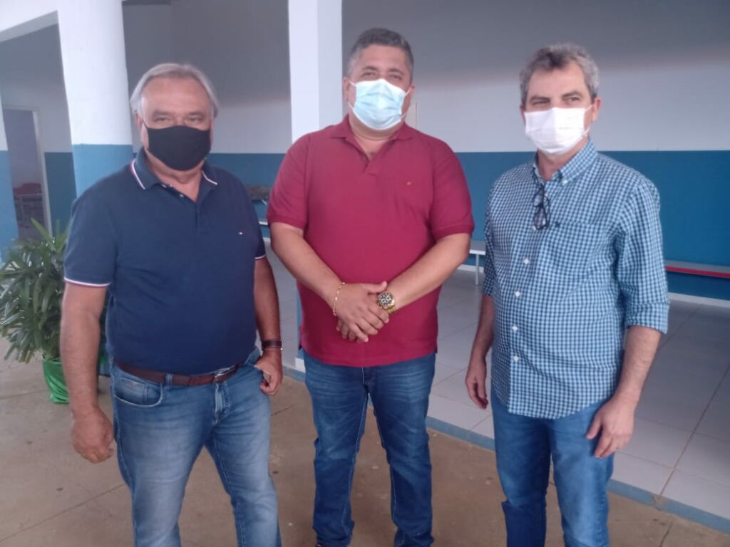 WhatsApp Image 2021 09 17 at 18.24.30 1 Prefeitos de Urandi e Sebastião Laranjeiras participam de Assembleia Geral do Projeto Estreito