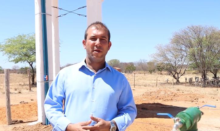 leo visao Empresário Léo Visão, em parceria com o Deputado Charles e o vereador Edivaldo, leva água para comunidades rurais de Carinhanha