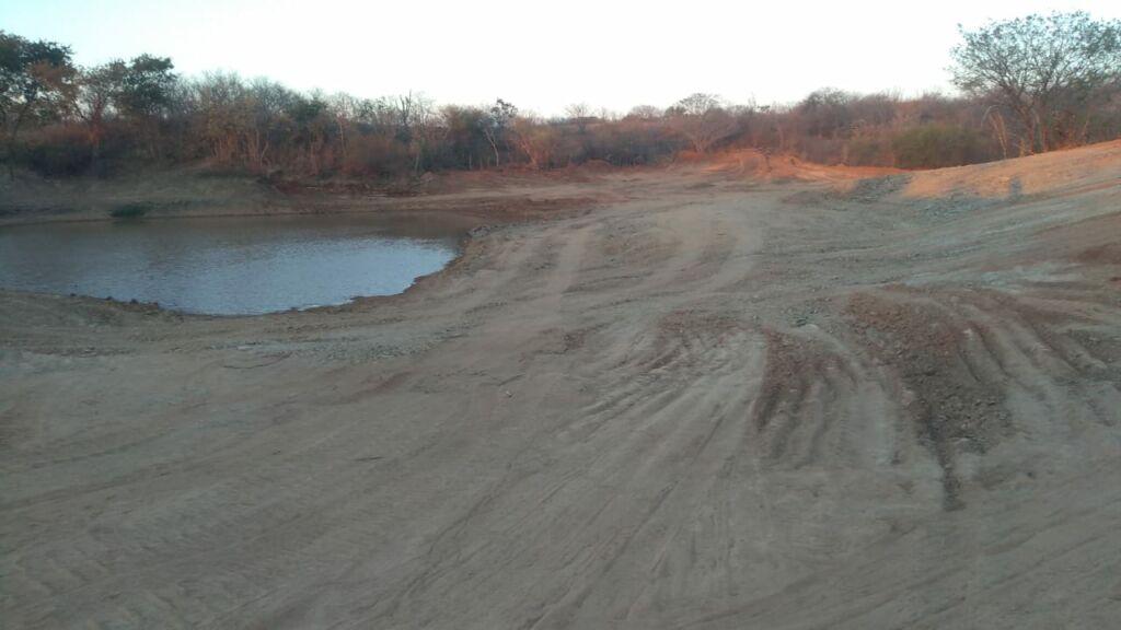 BARRAGENS 3 Prefeitura de Sebastiao Laranjeiras realiza limpeza de barragens