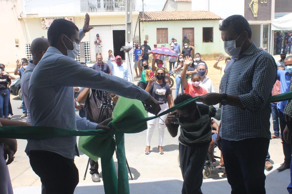 INAUGURACAO LICINIO 3 Deputado Charles Fernandes destaca parcerias com Serra do Ramalho e Urandi
