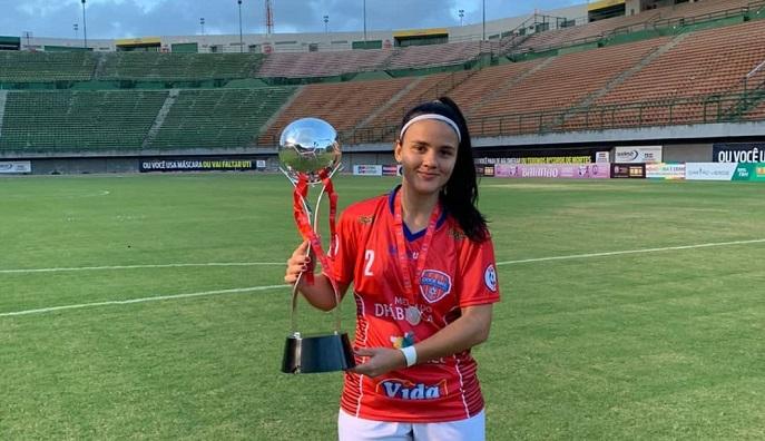 Suzana Ibia 1 Jovem de Ibiassucê é destaque no campeonato baiano de futebol e vice campeã